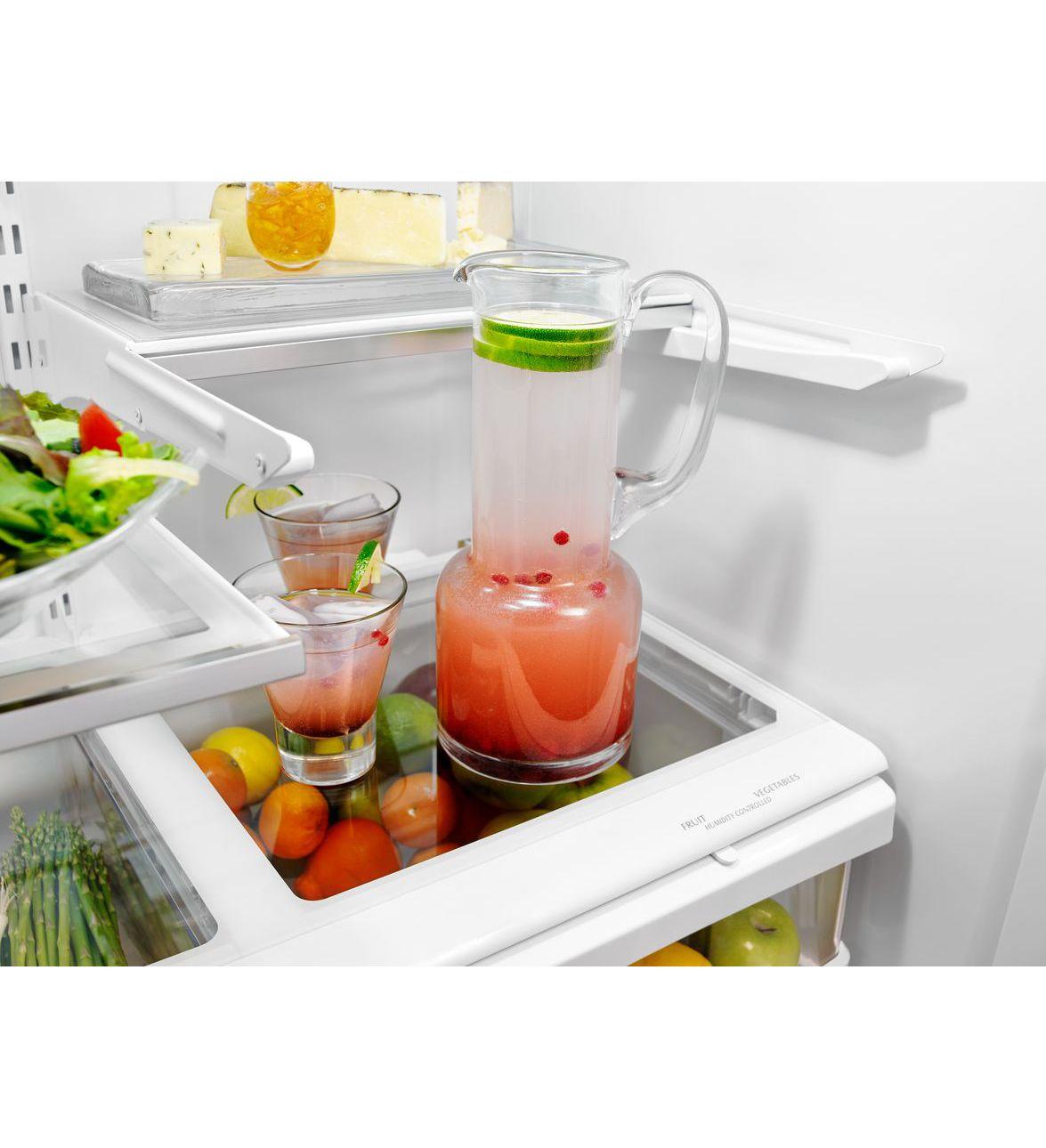 Réfrigérateur de 25 pi cu avec eau intérieur